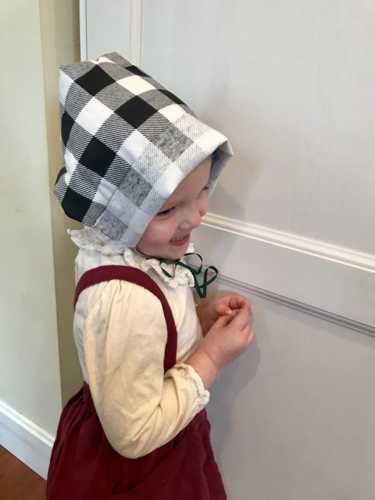 Kid Craft: Thanksgiving Pilgrim Bonnet