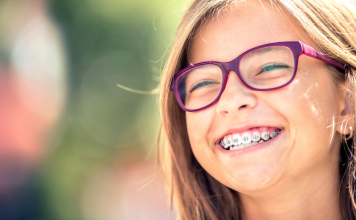 Dentist Guide Featured Image of Girl with Braces